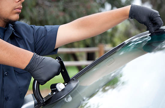 windshield replacement Burlington ON